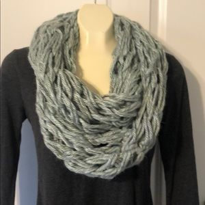 NWT handmade arm knit infinity scarf blue & gray